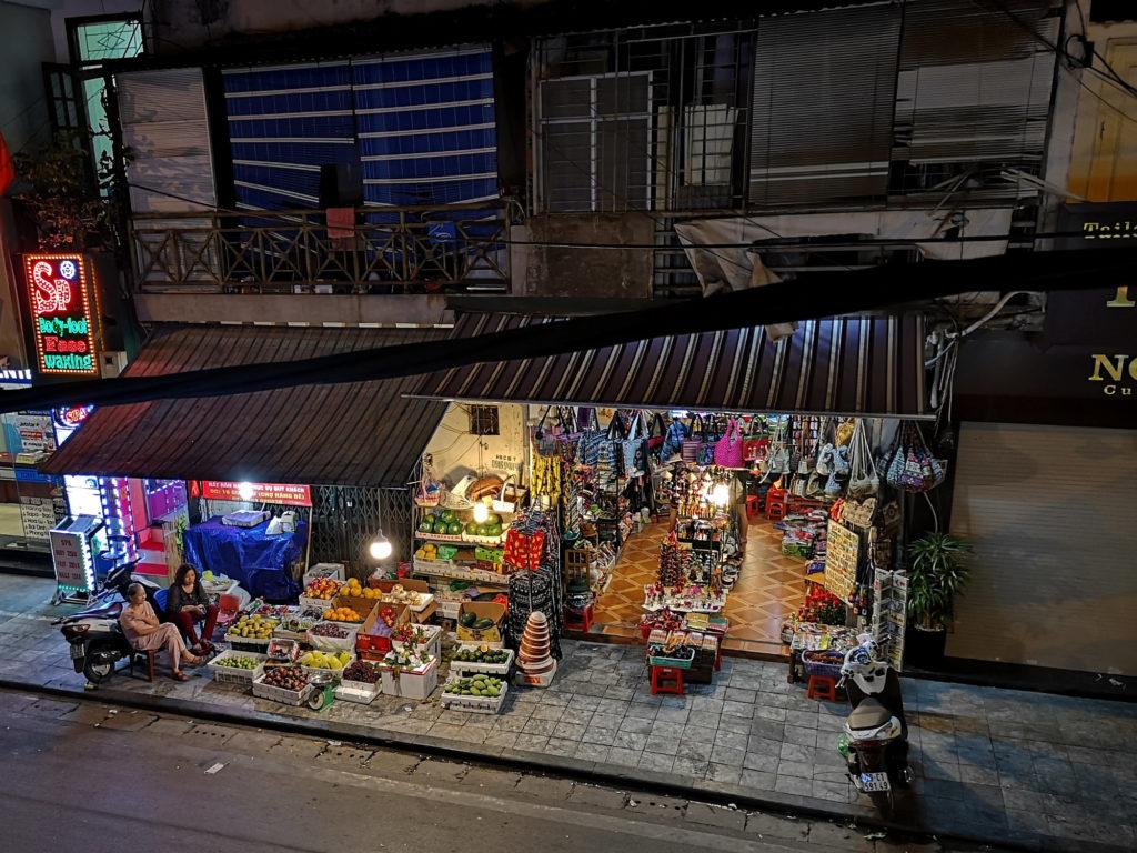 Hanoi Altstadt Menschen Shop